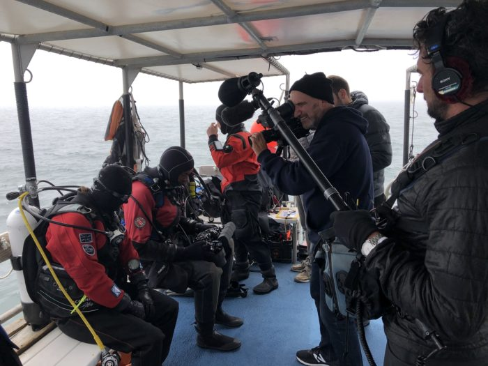 Filming in the English Channel © Kinga Philips