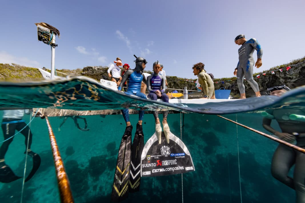 Alenka prepares to smash another world record as Trubridge and others look on at Deans Blue Hole