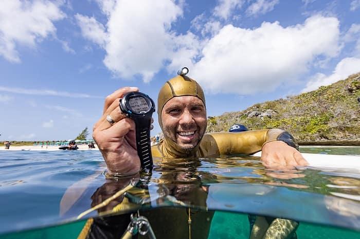 Alexey makes 118m in bi-fins look easy (photo © Daan Verhoeven)